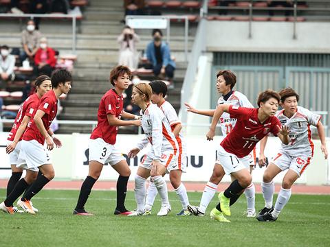 レディース-VS-愛媛L-「5−1で勝利し、レッズレディー