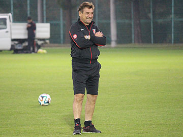 We will play aggressively from the beginning – Team Manager Mischa
