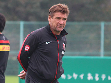 All we have to do is to defeat the opponent in front of us unitedly – Team Manager Mischa