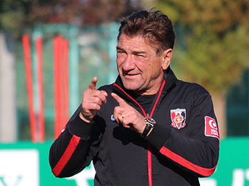 We will remain calm to play our style of soccer – Team Manager Mischa