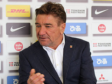 Team Manager Mischa – press conference the day before the match against Sanfrecce Hiroshima