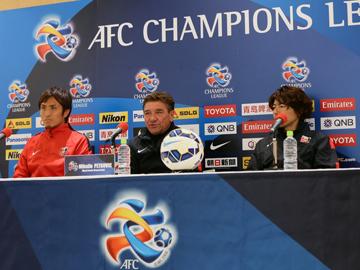 Team Manager Mischa and Nasu attend official pre-match press conference