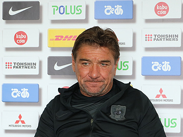 Team Manager Mischa – press conference the day before the match against F.C.Tokyo