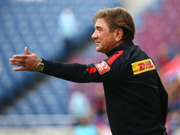 Team Manager Mischa- press conference after the match against FC Tokyo