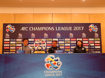 Team Manager Mischa and FW Player Lee attend official interview session the day before the match against FC Seoul