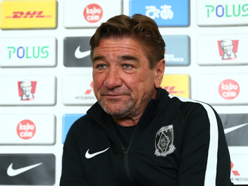 Team Manager Mischa – pre-match press conference the day before the match against Hokkaido Consadole Sapporo