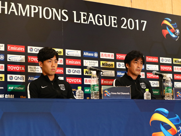 Team Manager Hori and Player Endo attend an official interview session the day before the match against Shanghai SIPG F.C.