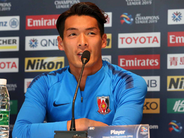 Team Manager Oswaldo and Makino attend official interview session the day before the ACL match against Beijing Sinobo Guoan Football Club