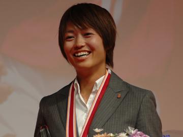 安藤梢、FCR2001デュイスブルクに移籍