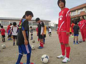 『東日本大震災被災地復興支援 子供たちとのサッカー交流会』開催