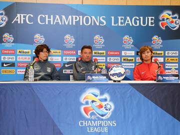 ミシャ監督と柏木が試合前日公式会見に出席