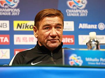 上海上港 試合前日公式会見にミシャ監督と槙野が出席