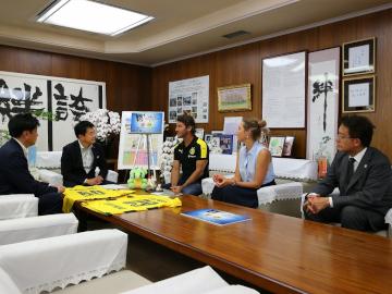 淵田代表がドルトムントOBとJリーグワールドチャレンジPRのため、さいたま市を表敬訪問