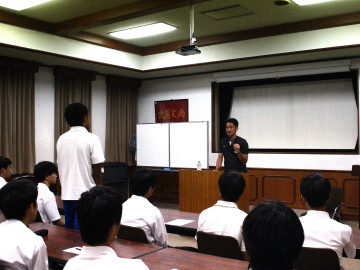 阿部勇樹が県立浦和高校で講演を実施