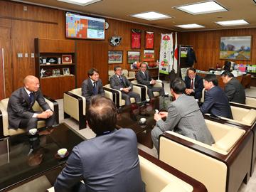 さいたま市役所とさいたま市議会を表敬訪問
