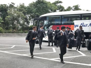 チームは沖縄に無事到着